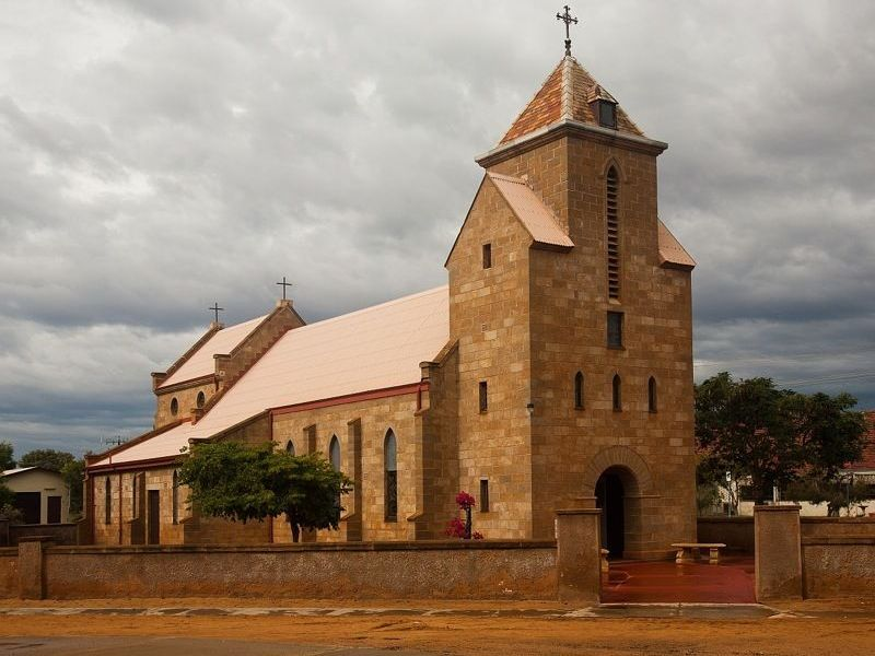 1-Carnarvon-church